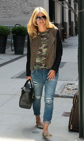More Pics of Heidi Klum Ripped Jeans (1 of 15) - Ripped Jeans Lookbook - StyleBistro