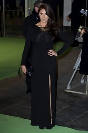Lucy Pinder chose a simple yet classic black column dress for the premiere of 'The Hobbit: An Unexpected Journey.'