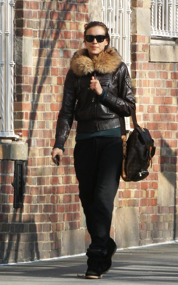 Irina Shayk Leather Jacket Irina Shayk Looks Stylebistro