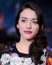 Kat Dennings' signature chocolate locks looked totally glamorous with a side-swept wavy 'do.