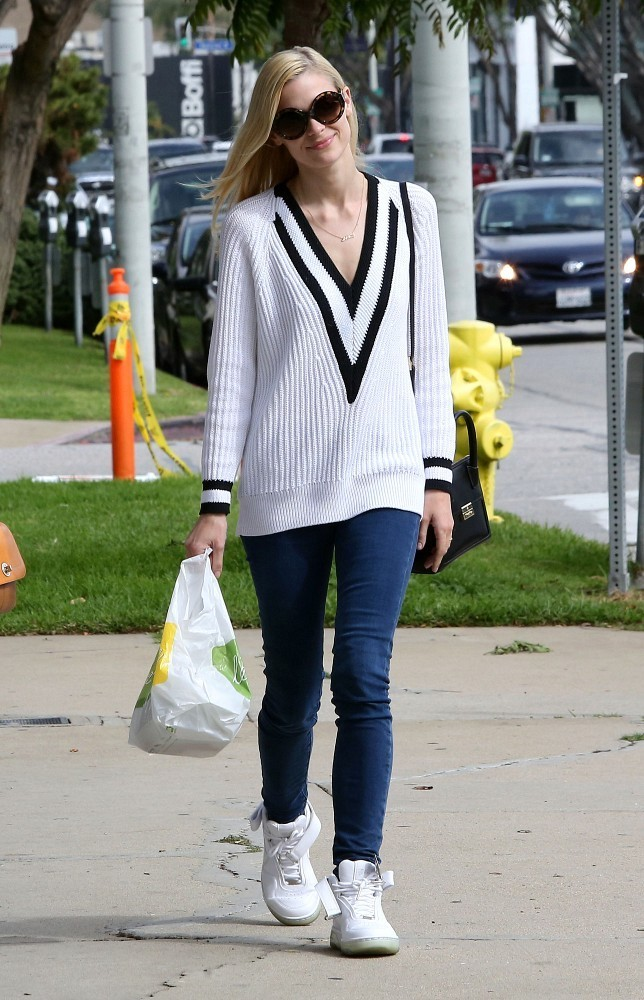 Jaime King Grabs Lunch