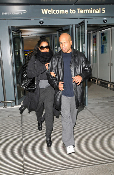 More Pics of Janet Jackson Knit Scarf (1 of 7) - Janet Jackson Lookbook - StyleBistro