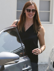 Jennifer Garner accessorized with a pair of tortoiseshell sunglasses for a day out in LA.