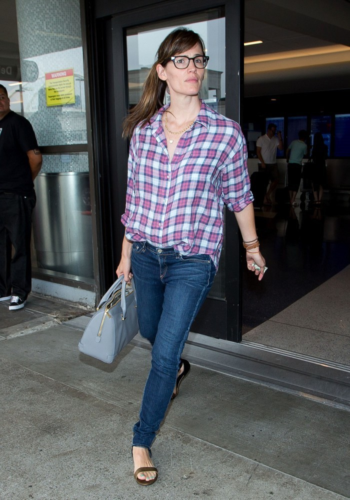 Jennifer Garner Arrives at LAX — Part 2