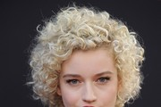 Julia Garner Short Curls