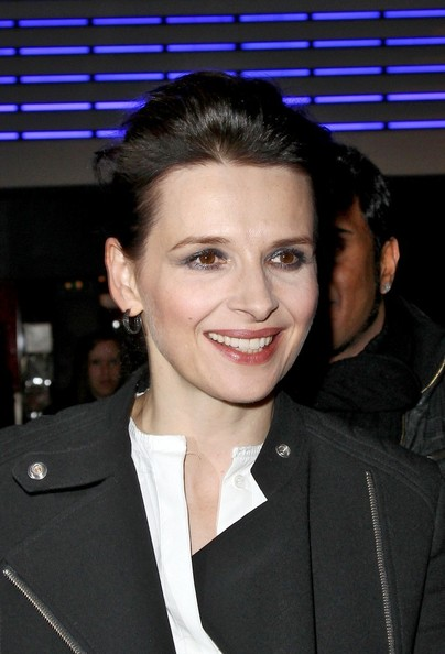 Juliette Binoche Metallic Eyeshadow