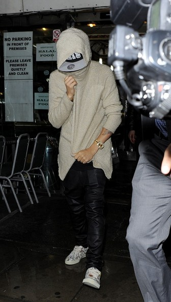 More Pics of Justin Bieber Canvas Sneakers (1 of 20) - Athletic Shoes Lookbook - StyleBistro []