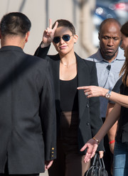 Kate Hudson headed to 'Kimmel' wearing a cool pair of aviators.
