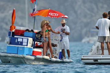 Kate Moss Lily Allen Kate Moss, Lila Grace, and Lily Allen on a Yacht