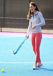 Kate Middleton got sporty in a pair of on-trend hot pink jeans.