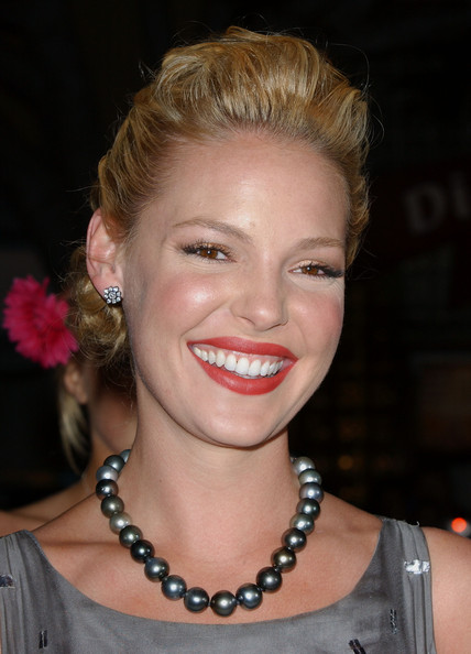 Katherine Heigl Black Pearls