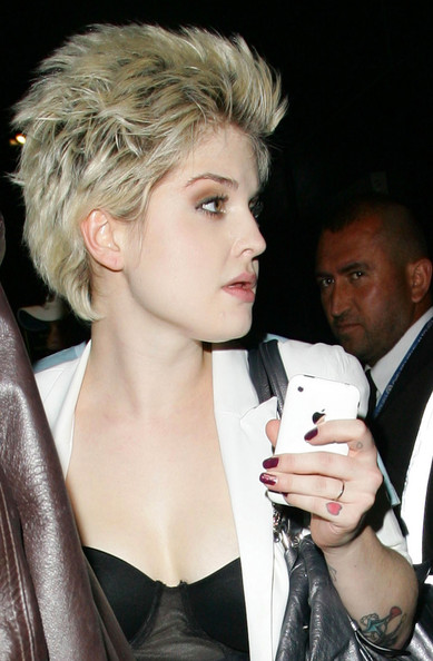 Kelly Osbourne Messy Cut