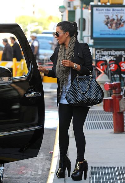 More Pics of Kim Kardashian Aviator Sunglasses (1 of 6) - Aviator Sunglasses Lookbook - StyleBistro