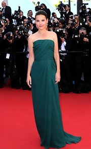Virginie Ledoyen wore this sweetly simple Grecian gown in a rich jade to the 'Moonrise Kingdom' premiere at Cannes.
