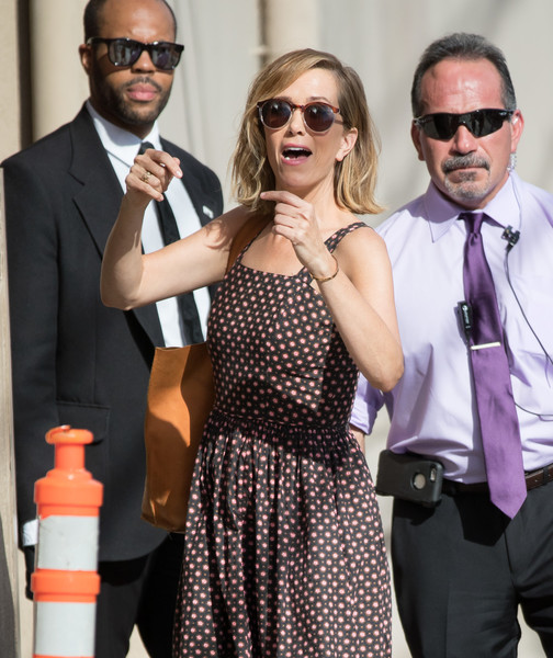 Kristen Wiig arrived for her 'Kimmel' appearance wearing a pair of retro shades.