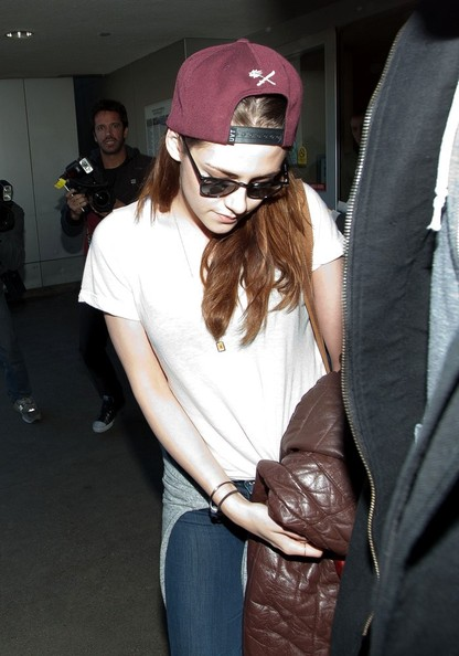 More Pics of Kristen Stewart Wayfarer Sunglasses (1 of 12) - Kristen Stewart Lookbook - StyleBistro