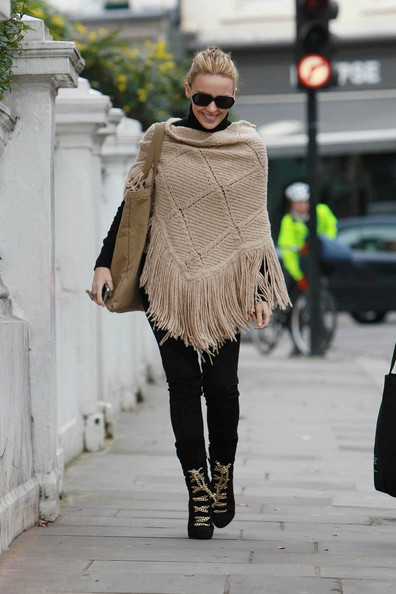 Kylie Minogue Shawl