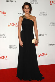 Teri Hatcher showed off her glamorous side in a one-shoulder evening gown.