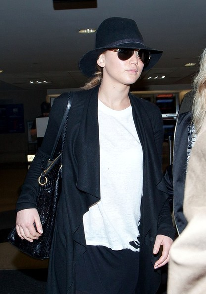 More Pics of Jennifer Lawrence Cardigan (4 of 12) - Jennifer Lawrence Lookbook - StyleBistro