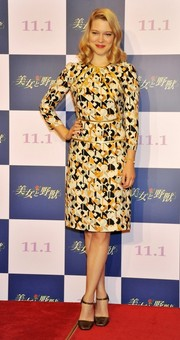 Lea Seydoux was '40s-chic in a long-sleeve print dress by Prada during the 'Beauty and the Beast' press conference in Tokyo.