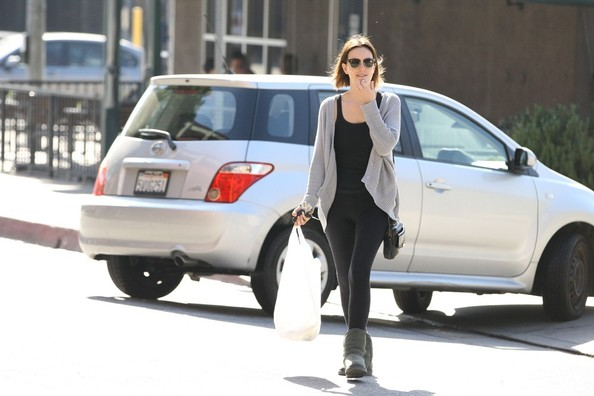 Leighton Meester Picks Up Lunch 2