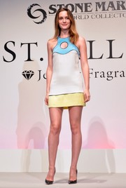 Leighton Meester looked refreshingly youthful in a tricolor cutout mini by Emilio Pucci during the St Rillian launch.