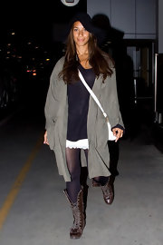 Leona Lewis debuted a grungier look in a pair of flat brown lace-up boots.
