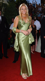 Jenni Finch showcased her statuesque athletic beauty in this green silk evening gown at the 56th Emmy Awards in LA.