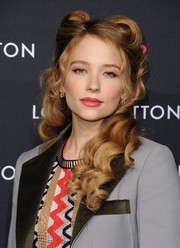 Haley Bennett brought a '40s vibe to the Louis Vuitton Series 2 exhibition with these perfectly sculpted victory rolls.
