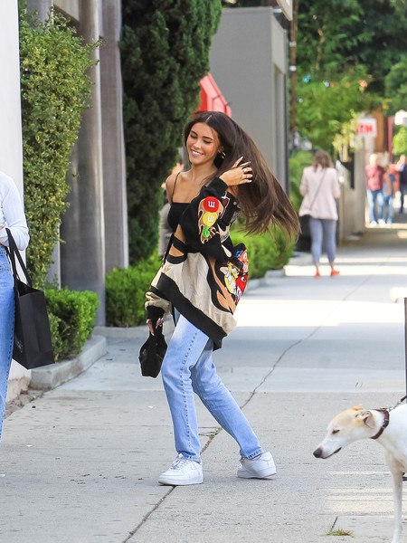 More Pics of Madison Beer High-Waisted Jeans (3 of 6) - Jeans Lookbook - StyleBistro []