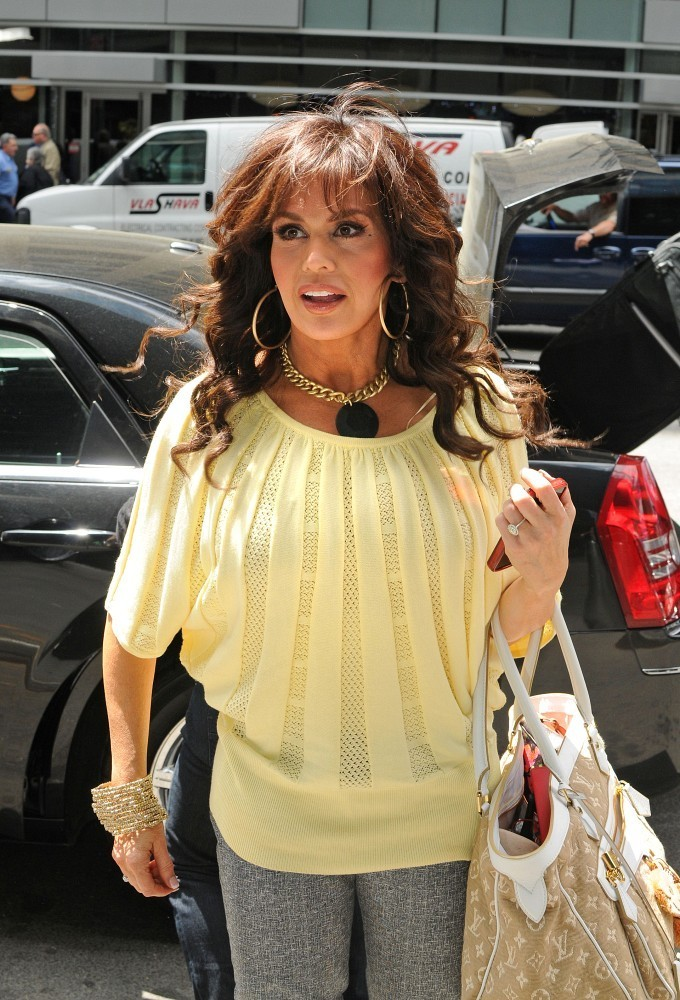 Marie Osmond Gold Statement Necklace - Marie Osmond Looks ...