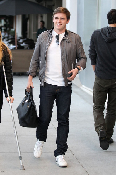More Pics of Jesse McCartney Leather Tote (2 of 5) - Tote Bags Lookbook - StyleBistro