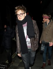Tom Fletcher chose a black knit scarf for his bundled-up, casual look.