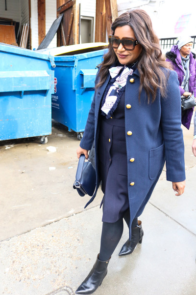 More Pics of Mindy Kaling Leather Purse (1 of 5) - Evening Bags Lookbook - StyleBistro []