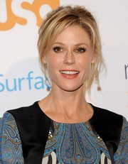 Julie Bowen wore her hair in a messy-sexy updo during the 'Modern Family' fan appreciation day.