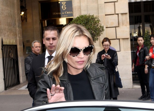 More Pics of Kate Moss Wayfarer Sunglasses (4 of 7) - Kate Moss Lookbook - StyleBistro