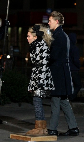 More Pics of AnnaSophia Robb Wool Coat (1 of 41) - Wool Coat Lookbook - StyleBistro