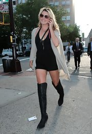 Grace looked like an urban cowgirl in these over-the-knee boots and short shorts.