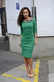 Myleene lit up the London studios in this green sheath dress with a contrast snakeskin collar.
