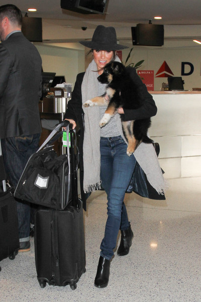 More Pics of Nikki Reed Dog Carrier Duffle (5 of 6) - Dog Carriers Lookbook  - StyleBistro cd7bba71572b5