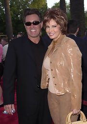 Raquel Welch looked great in bob cut at the 'Nutty Professor II' premiere.