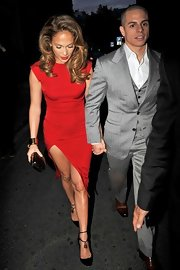 Jennifer Lopez was smoking hot at the Obama Victory Fund party in this tight red cocktail dress with a thigh-high slit.