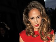 Jennifer rocked luscious curls with her red hot ensemble.
