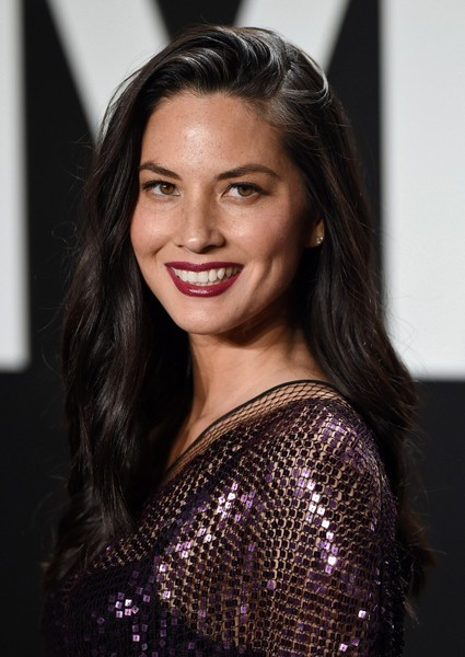 Olivia Munn Long Side Part