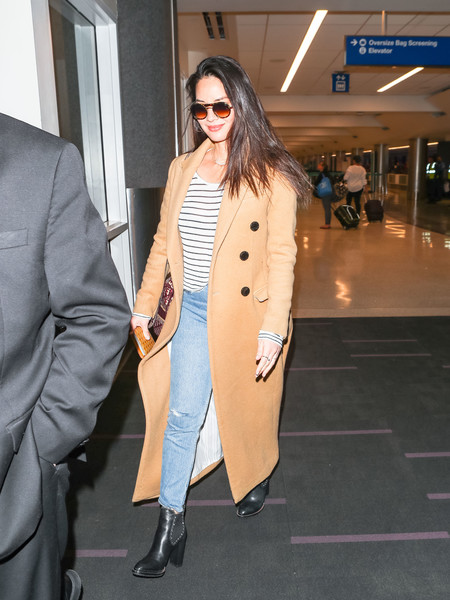 More Pics of Olivia Munn Ripped Jeans (1 of 7) - Jeans Lookbook - StyleBistro []