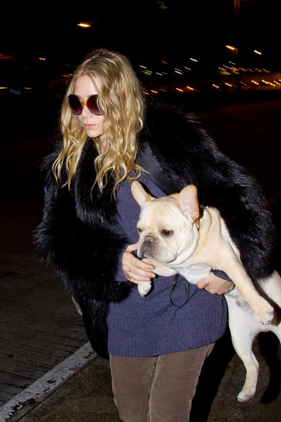 More Pics of Ashley Olsen Oversized Sunglasses (1 of 8) - Oversized Sunglasses Lookbook - StyleBistro