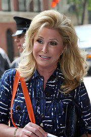 Kathy Hilton channeled the '80s with this voluminous wavy hairstyle.