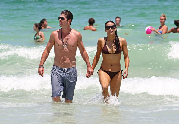 Singer, Robin Thicke and his wife actress, Paula Patton, show off ...