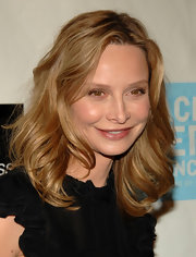 Calista Flockhart opted for a minimal makeup look with this pink lip gloss.