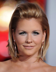 Carrie Keagan dressed up her classic bob by sweeping it back and adding lots of volume for the 2012 People's Choice Awards.